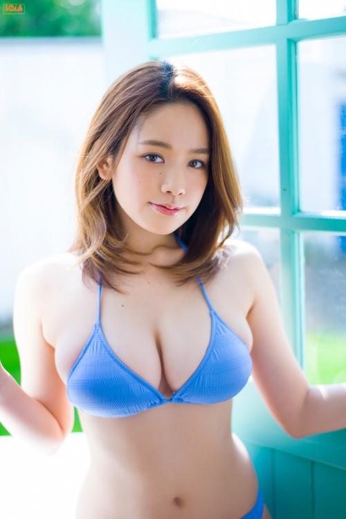 miwako-kakei-sexy-bikini-24.jpg
