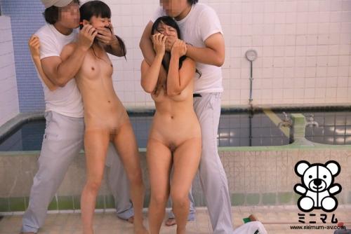 【三次】子供にしか見えない女の子が乱交しているおすすめAV&エロ画像・16枚目