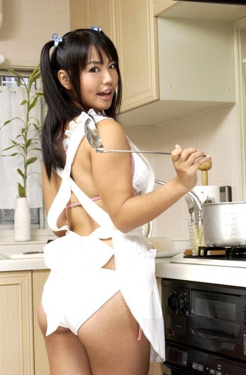 【三次】裸エプロンで男を刺激する女の子のエロ画像part2・25枚目