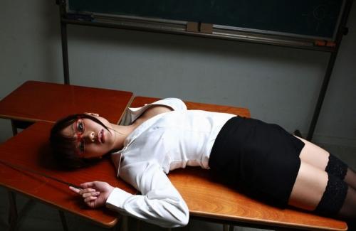 【三次】身体で教えてくれそうな女教師のエロ画像・26枚目